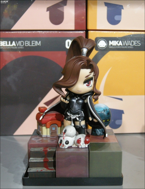 Bella (BLACK ver.) Figure